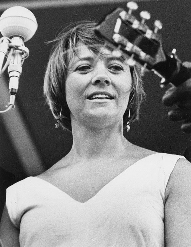 Barbara Dane performs at the 1965 Newport Folk Festival.