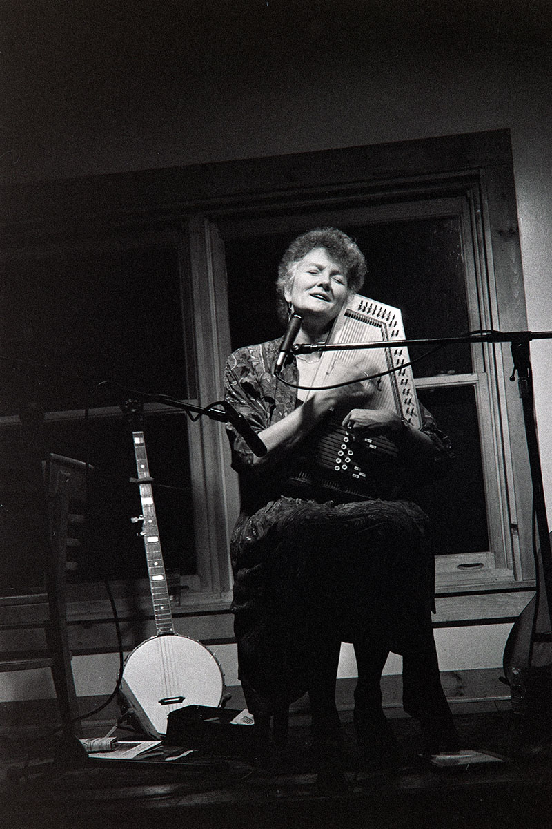 Peggy Seeger plays the Left Bank Café in Blue Hill, Maine, circa early 1990s.