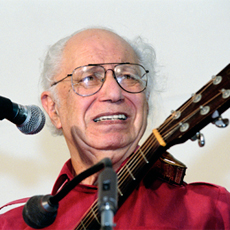 Collector Records founder Joe Glazer performs at the 2001 Smithsonian Folklife Festival. Photo by Michael Monseur