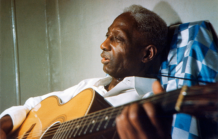 Photo by Dr. Richard S. Blacher, courtesy Smithsonian Folkways and Lead Belly Estate, All Rights Reserved.