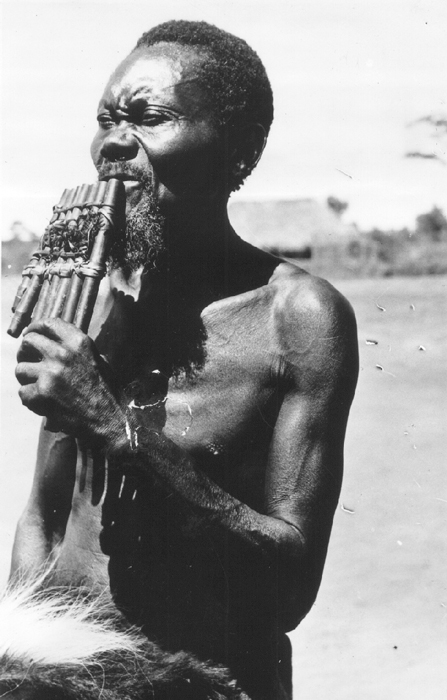 Photo by H. Goldstein. Courtesy of the International Library of African Music (ILAM).