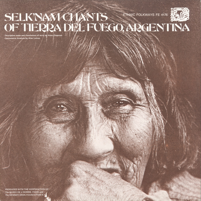 The cover presents a memorable close-up photograph of Lola Kiepja taken by the album's producer, ethnologist Anne Chapman. According to Chapman, Lola Kiepja was the last person to speak the language of her people.